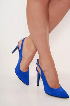 Kék elegáns cipő enyhén hegyes orral