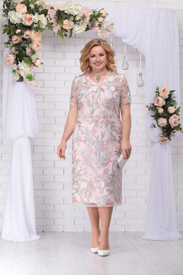 Világos rózsaszín alkalmi elegáns egyenes midi ruha csipkés anyagból kerekített dekoltázssal