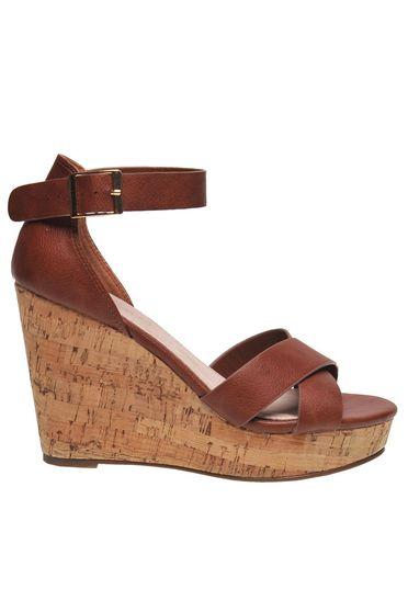 Barna műbőr casual pánttal záródó cipő