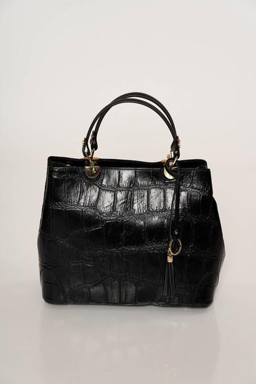 Fekete táska elegáns rövid fülekkel kígyómintás valódi bőrből készült