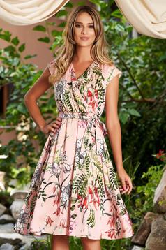 Világos rózsaszín virágmintás hétköznapi midi harang elasztikus csípővel szatén anyagból ruha