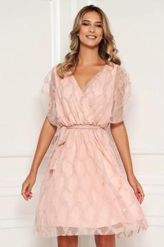 Világos rózsaszín hétköznapi rövid ujjú derékban rugalmas harang ruha csipkés anyagból
