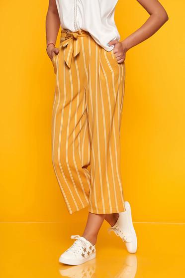 Mustar egyenes nadrág elasztikus csípővel