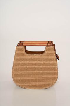 Cipzárral zárható casual táska