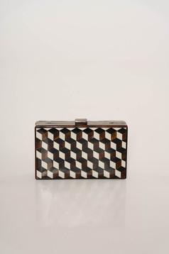Fehér elegáns táska geometrikus mintákkal hosszú, lánc jellegű akasztóval