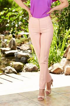 Normál derekú világos rózsaszín irodai kónikus nadrág enyhén rugalmas anyagból álzsebekkel