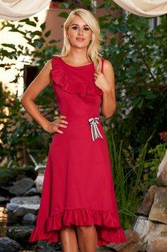 Piros StarShinerS hétköznapi aszimetrikus pamutból készült ujj nélküli fodros ruha bross kiegészítővel