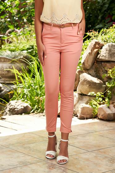 Világos rózsaszín casual kónikus pamutból készült elöl zsebes nadrág tartozékkal