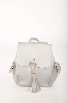 Ezüst casual bőr utánzat állítható pántokkal ellátott hátizsák
