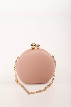 Világos rózsaszín alkalmi táska bőr utánzat hosszú, lánc jellegű akasztóval