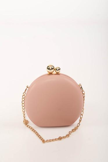 Világos rózsaszín alkalmi bőr utánzat táska hosszú, lánc jellegű akasztóval