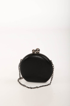 Fekete alkalmi bőr utánzat táska hosszú, lánc jellegű akasztóval
