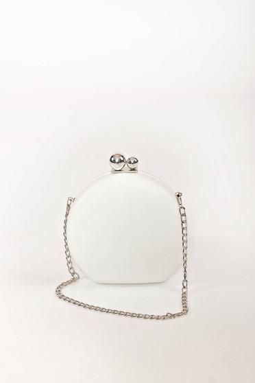 Fehér alkalmi táska bőr utánzat hosszú, lánc jellegű akasztóval