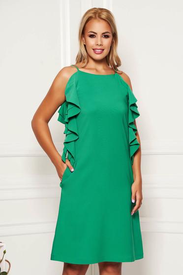 Zöld hétköznapi rövid a-vonalú zsebes fodros ruha kerekített dekoltázssal
