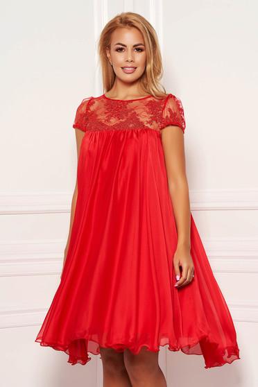 Piros hétköznapi rövid harang ruha szellős anyagból rövid, átlátszó ujjakkal