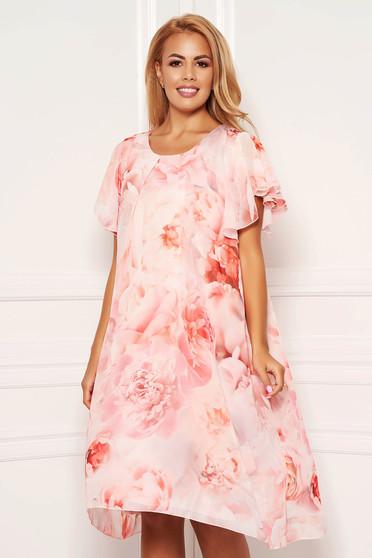Rózsaszínű virágmintás midi ruha muszlinból kerekített dekoltázssal pillangó típusú ujjakkal