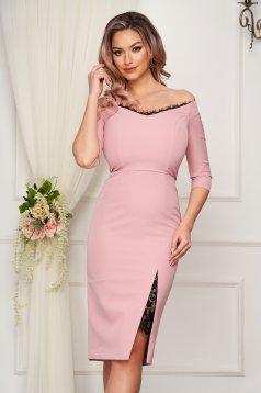 Púder rózsaszínű StarShinerS elegáns midi ceruza ruha vékony anyagból háromnegyedes ujjakkal csipke díszítéssel
