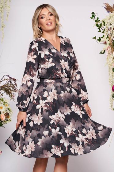 Fekete StarShinerS ruha alkalmi midi harang muszlinból virágmintás v-dekoltázzsal eltávolítható övvel