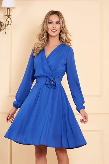 Kék StarShinerS alkalmi gumírozott derekú midi harang ruha szellős anyagból hosszú ujjakkal