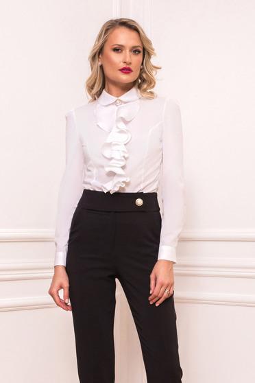Fehér elegáns rövid fodros szűk szabású női ing hosszú ujjakkal