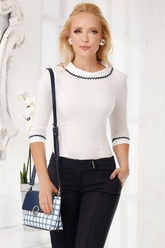 Fehér elegáns pamutból készült szűk szabású női ing kerekített dekoltázssal