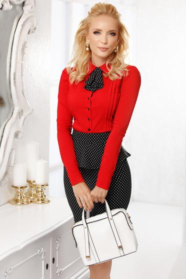 Piros elegáns pamutból készült szűk szabású rövid női ing nyakkendő tartozékkal