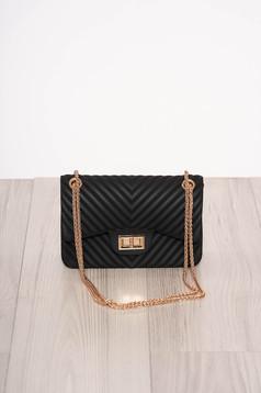 Fekete táska elegáns hosszú, lánc jellegű akasztóval