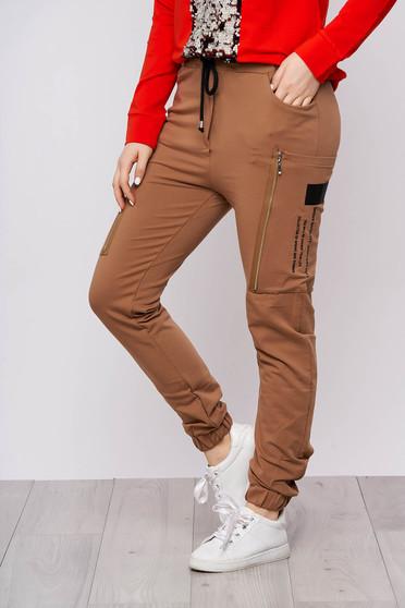 Cappuccino casual magas derekú hosszú derékban rugalmas pamutból készült nadrág