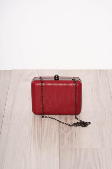 Piros alkalmi műbőr táska eltávolítható vékony lánccal és egy kapoccsal zárható