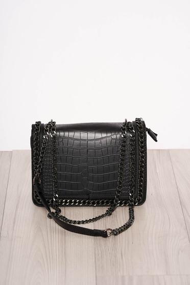 Fekete elegáns kígyómintás táska műbőrből cipzárral