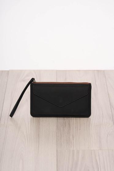Fekete műbőr cipzárral zárható és egy kapoccsal zárható pénztárca