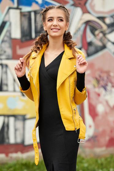 Mustársárga casual rövid műbőr dzseki cipzáros zsebekkel és cipzáros ujjakkal