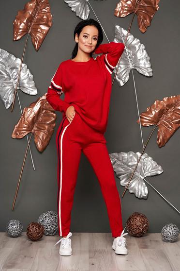 Piros casual nadrágos két részes szett kötött anyagból