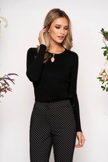 Fekete casual rövid kötött pulóver kerekített dekoltázssal masni alakú kiegészítővel