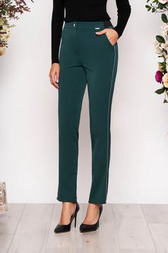 Sötétzöld elegáns kónikus derékban rugalmas nadrág zsebekkel fém díszítésekkel