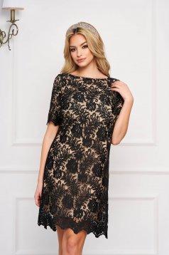 Fekete StarShinerS elegáns midi bő szabású ruha csipkéből