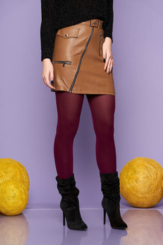 Barna casual rövid szoknya műbőrből álzsebekkel és szintetikus bőr övvel