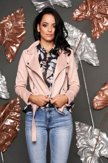 Világos rózsaszín műbőr casual fém csattal díszített rövid zsebes dzseki