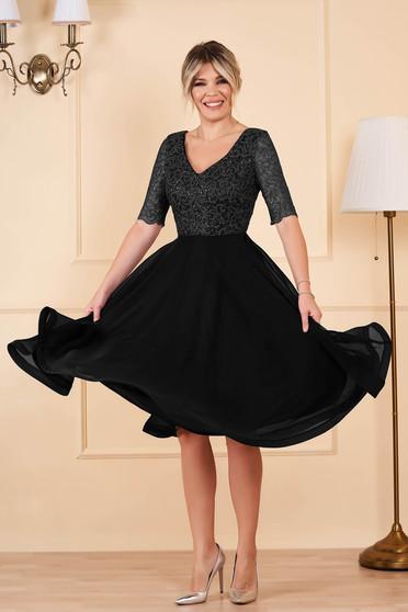 Fekete StarShinerS alkalmi midi rövid ujjú flitteres harang ruha muszlinból v-dekoltázzsal