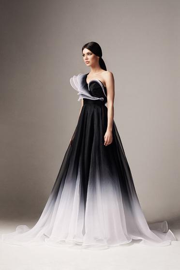Fekete Ana Radu luxus hosszú a-vonalú egy vállas fodros degradé ruha tüllből béléssel