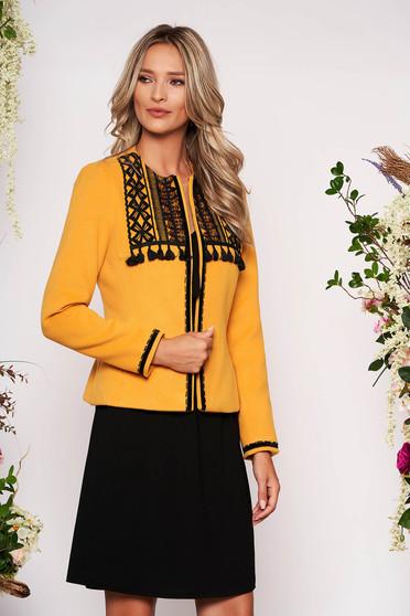Mustársárga elegáns rövid szűkített blézer gyapjúból hosszú ujjakkal szivacsos vállrésszel
