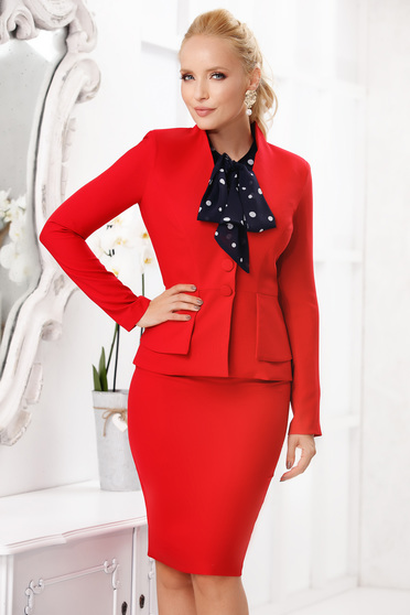 Piros elegáns szoknyás két részes női kosztüm szövettel enyhén rugalmas anyagból vékony anyag