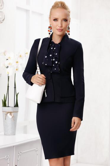 Sötétkék elegáns szoknyás két részes női kosztüm enyhén rugalmas vékony anyagból