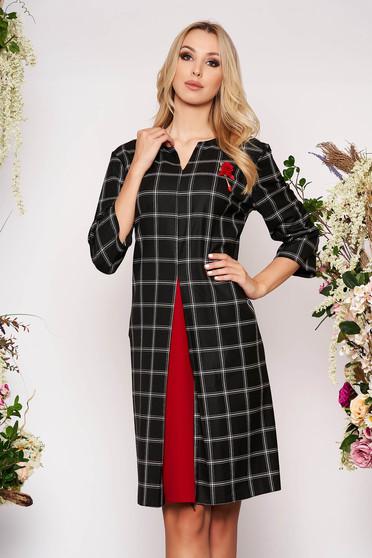 Fekete elegáns midi a-vonalú zsebes kockás ruha háromnegyedes ujjakkal