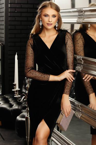 Fekete alkalmi rövid ceruza ruha bársonyból v-dekoltázzsal átlátszó hosszú ujjakkal