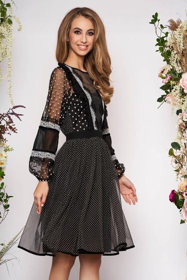Fekete pöttyös alkalmi fodros midi harang ruha hosszú gumírozott ujjakkal muszlinból