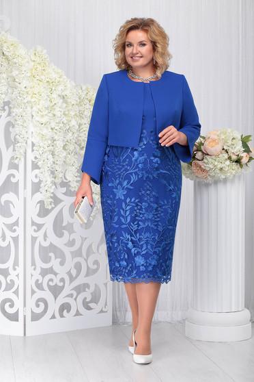 Kék elegáns két részes női kosztüm ruhával enyhén rugalmas szövetből és csipkéből