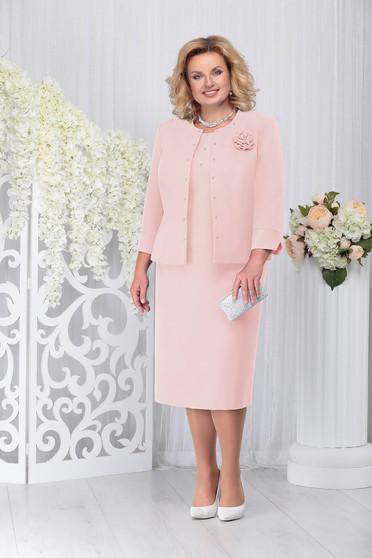 Púder rózsaszínű elegáns két részes női kosztüm