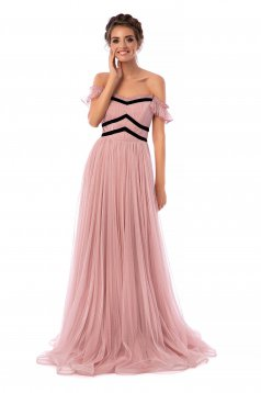 Púder rózsaszínű Ana Radu ruha luxus