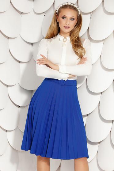 Kék irodai harang midi rakott, pliszírozott szoknya öv típusú kiegészítővel rugalmas anyagból